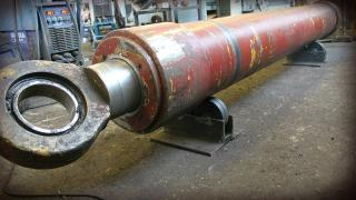 Hydraulic cylinders for truck cranes To