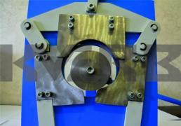 Manual machine for making garokalna